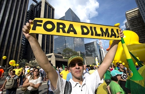 Photographer Cris Faga/ZUMA Wire/REX/Shutterstock President Rousseff impeachment protest, Sao Paulo, Brazil - 03 Apr 2016 Pro-President Dilma Rousseff supporters 3 Apr 2016