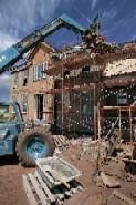 US home building slumps