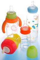 Canada bans BPA use in baby bottles