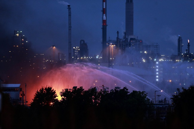 Pictured above: Firefighters try to contain the flames at Ludwigshafen on Monday evening. Source: Xinhua News Agency/REX/Shutterstock