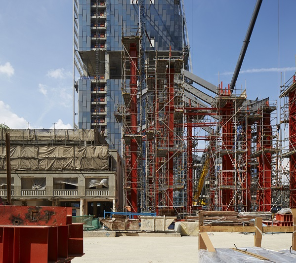 Top Image: Construction work going on in Singapore (Photographer: View Pictures/REX/Shutterstock)