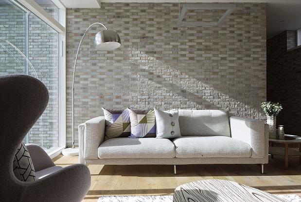 sofa 26 April