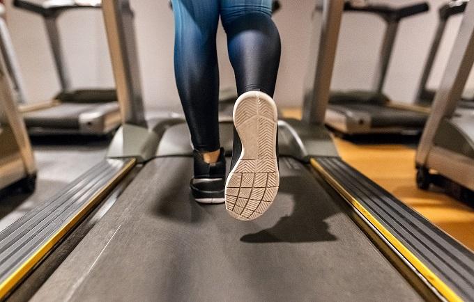 sports shoe 18 August