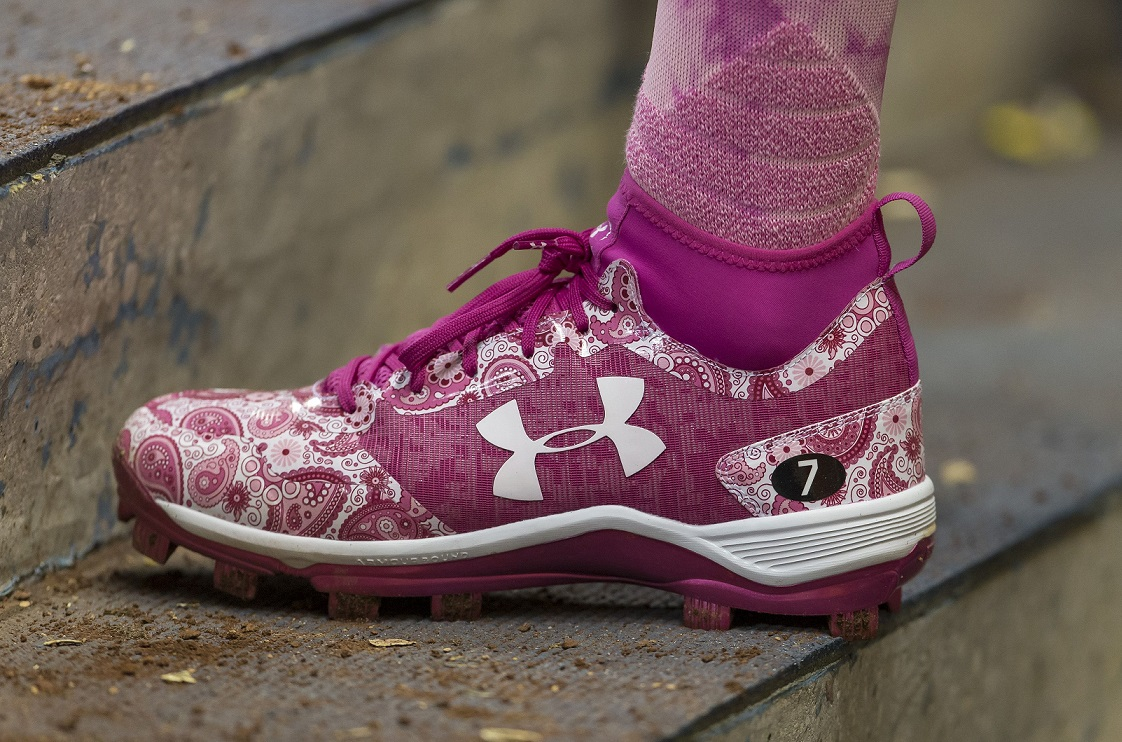 Pink sports shoe 6 September